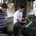 Leffe - Suonata a tastiera sul concerto di 10 campane durante la registrazione del CD Suonata Serale. L'uso della tastiera è stato ripristinato nel 2006 dalla Federazione Campanari Bergamaschi dopo che i tiranti erano stati staccati nel 2001..