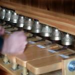 Tastiera da studio utilizzata per apprendere i brani che vengono eseguiti sul campanile in occasione delle solennità.