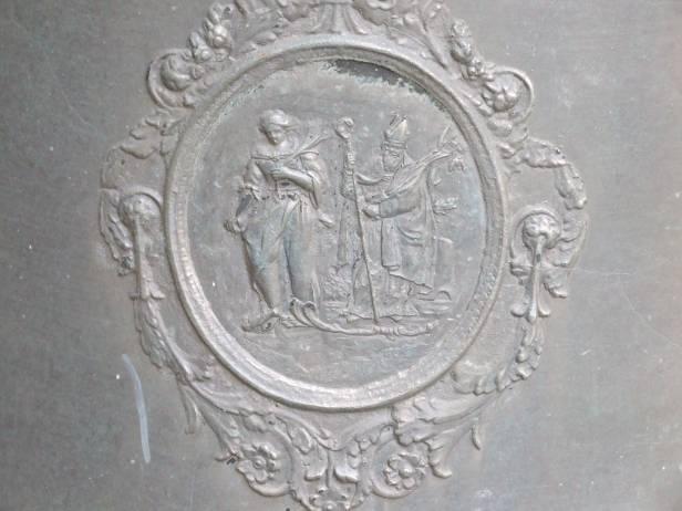 Uno dei bassorilievi della Seconda. Rappresenta S. Felicita. Sullo sfondo S. Martino.