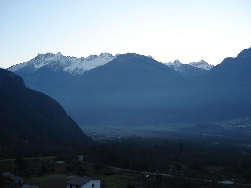 Veduta panoramica della Valchiavenna ammirabile dal campanile della Chiesa Parrocchiale di Prata Camportaccio