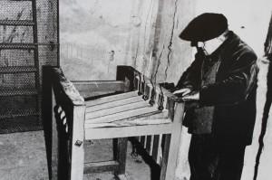 Immagine storica di suonatore a tastiera