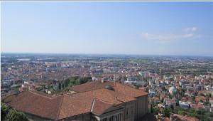 Panorama della pianura cittadina e della bassa dal campanile della Basilica