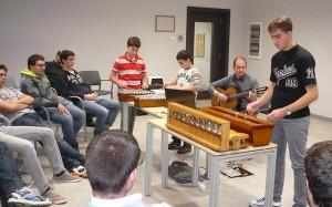 Un momento dell'intrattenimento musicale durante l'incontro