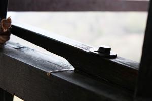 Particolare di balestra di una delle ruote lignee. Sistema di suono ibrido tra 'slancio' e 'ambrosiano'